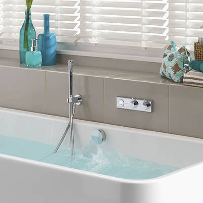 Larger image of Aqualisa HiQu Digital Bath Valve Kit 12 With Bath Filler & Shower Kit (Gravity).